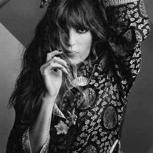 LOU DOILLON - (FRANCE)